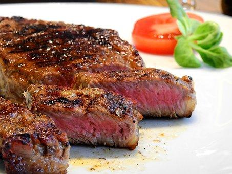 Marinade au vin rouge pour steaks : voici quelques idées de recettes